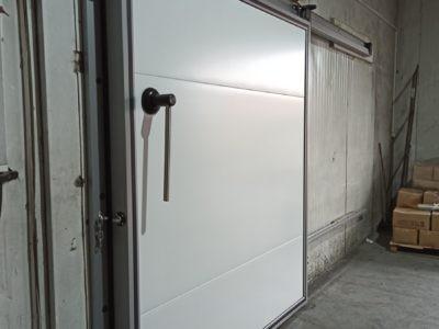 Дверь холодильная - Дукат